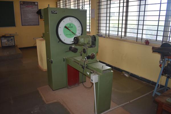 TORSION-TESTING-MACHINE