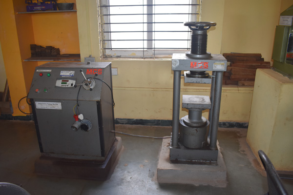 COMPRESSIVE-TESTING-MACHINE
